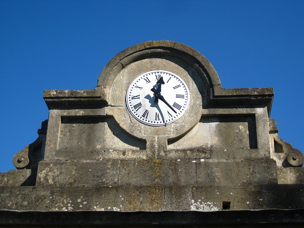 stableyard clock