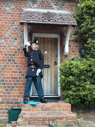 Policeman - Sonning Scarecrow Trail 2014